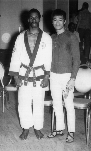 Joe Hayes & Bruce Lee - Washington DC 1969. Photo by Rafeal Rodriguez Found on www.lacancha.com/hayeshof.html