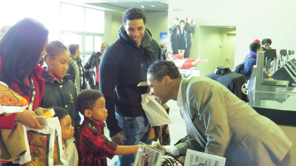 Taimak meeting some young fans at Newark 30th
